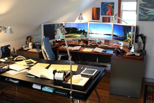 studio desk_